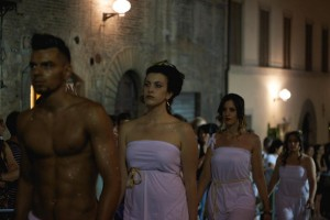 Hairstylist Stefano Iacomucci outfitted his models in Roman-inspired dress.